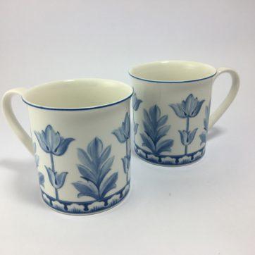 Pair of Villeroy & Boch mugs