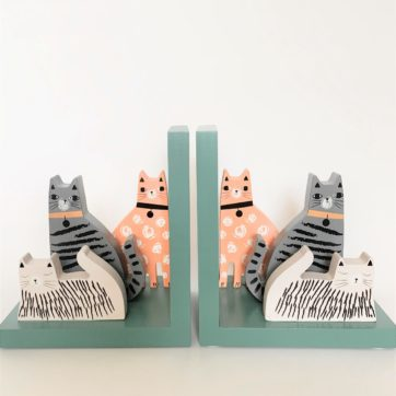 Bookends – Cat