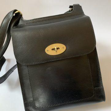 Leather shoulder bag – Black